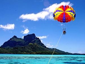 Parachute ascensionnel à Bora Bora
